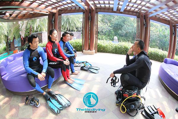 12/12正式上线!PADI 最新课程【休闲潜水员Resort Diver】 丨 一天拿证,潜遍全球
